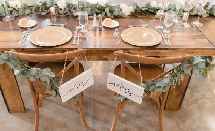 Wedding details for the bride who would rather have a fondue station than a wedding planner.  (Definitely do both if it's in yourbudget!)
